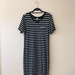 Old Navy black and white striped maxi dress
